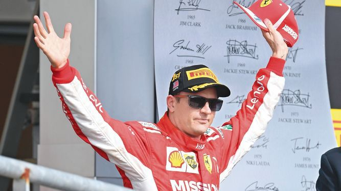 Raikkonen gana y Hamilton, a esperar