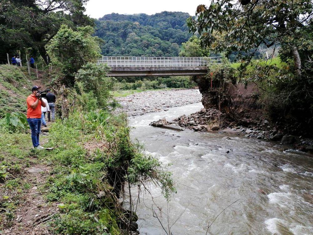 Ordenan el cierre del puente sobre el río Chiriquí Viejo
