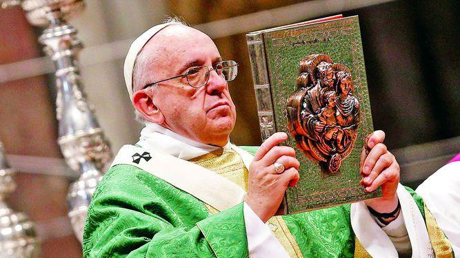 Papa Francisco defiende a la familia tradicional
