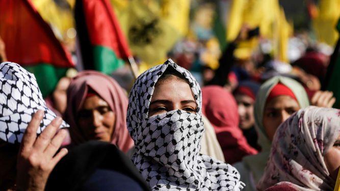 Decenas de miles de palestinos conmemoran en Gaza la muerte de Arafat