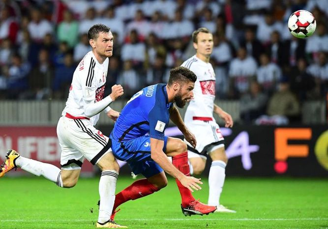 Francia no pasa del 0-0 en Bielorrusia