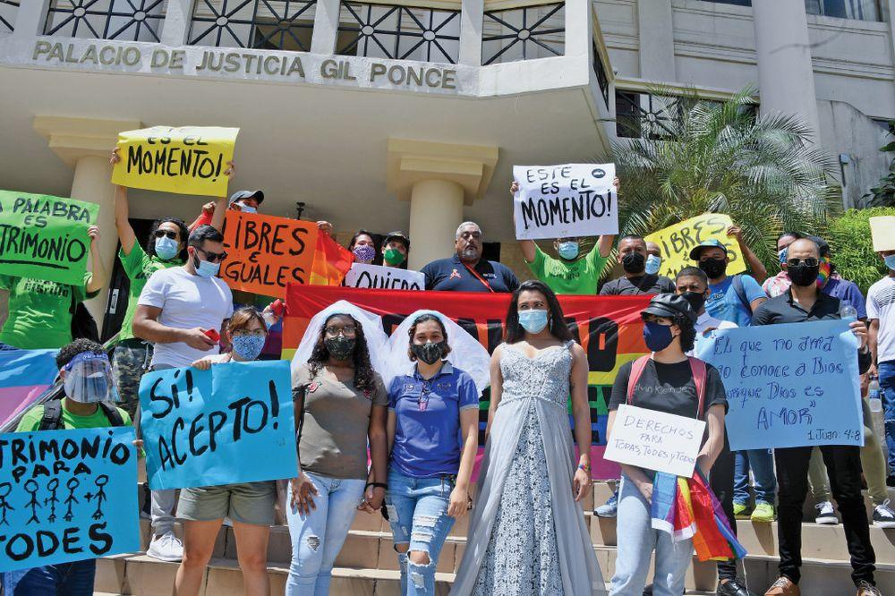 Lanzan la campaña 'Sí Acepto', para sensibilizar sobre el matrimonio civil en parejas del mismo sexo