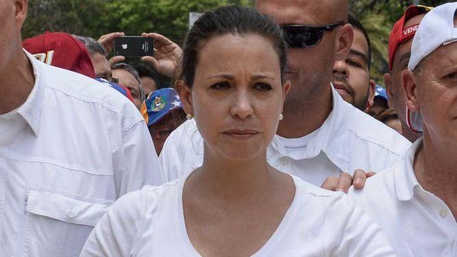 María Corina Machado denuncia que gobierno de Maduro emite orden de captura en su contra