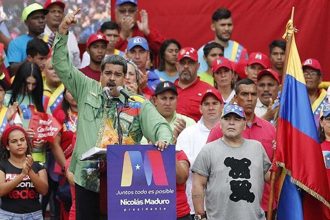 Maduro y opositor Falcón cierran campaña entre Maradona y Rubén Blades