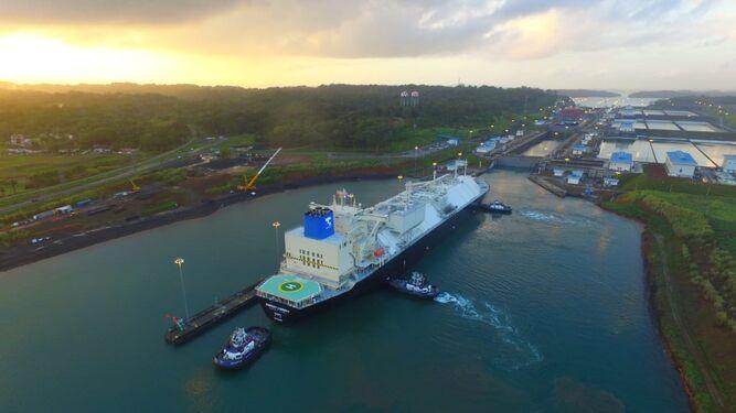 Se registra nueva marca de tránsito de buques neopanamax por el Canal de Panamá