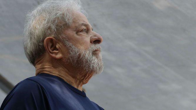 Suspenden fallo que podría haber liberado a Lula da Silva