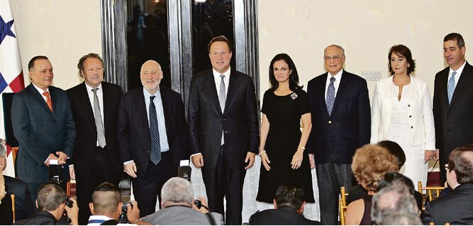 Salida de Joseph Stiglitz y Mark Pieth sorprende a Roberto Artavia