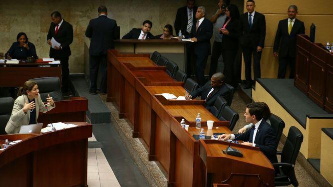Pleno aprueba en segundo debate proyecto de imprescriptibilidad
