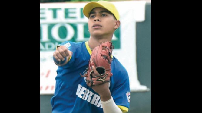 Herreranos ya están en El Salvador para el Latino