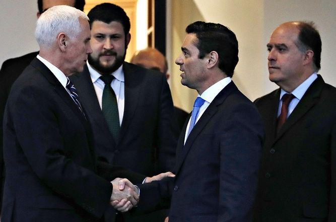 Vicepresidente Mike Pence recibe a Carlos Vecchio, enviado diplomático venezolano