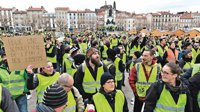 'Chalecos amarillos' se toman París