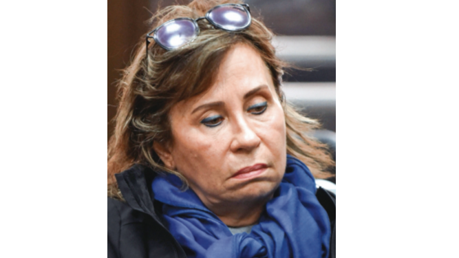 Ex primera dama es enviada a prisión por corrupción