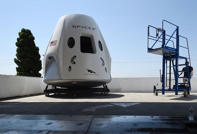 El primer vuelo tripulado de SpaceX a la Estación Espacial Internacional programado para mayo