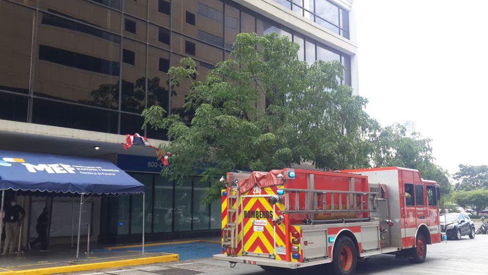 DGI suspendió por hoy la atención en la sede de avenida Balboa por fuga de gas, mañana se laborará de forma normal