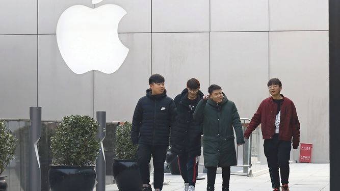 Riesgo para Apple en China inquieta a marcas de lujo