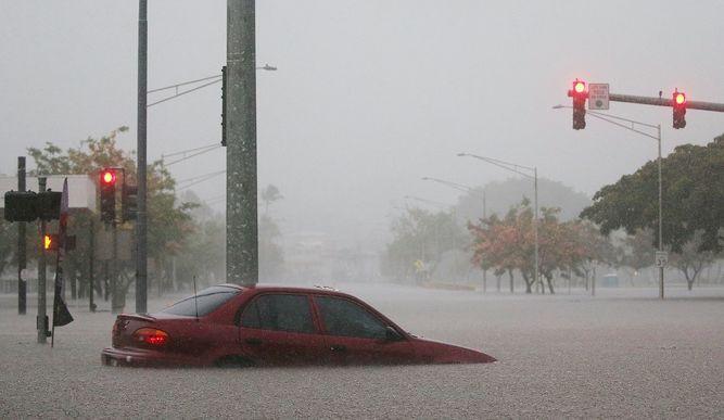 Isla de Hawái siente los primeros efectos del huracán Lane