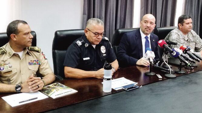 Rolando Mirones prevé cambios a seguridad en penales