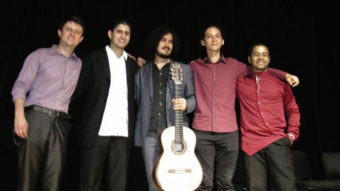 Costa Rica triunfa en certamen internacional de guitarra