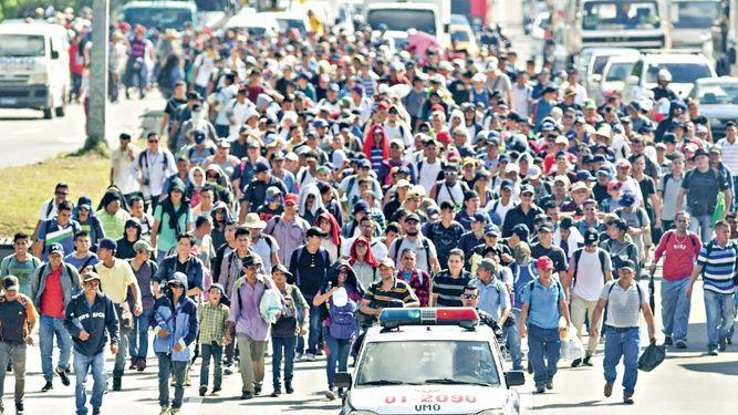 Centenares de salvadoreños salen en nueva caravana de migrantes hacia Estados Unidos