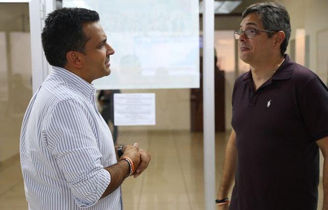 Ricardo Lombana rebasa a Dimitri Flores en firmas y se ubica en tercer lugar