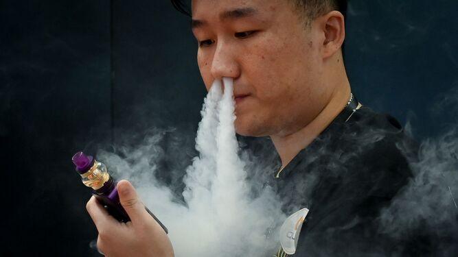 Los cigarrillos electrónicos son 'indudablemente dañinos', advierte la OMS