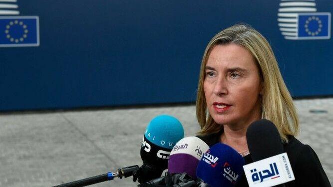 Unión Europea amenaza con sanciones a Caracas si no hay 'resultados concretos' en discusiones en Barbados