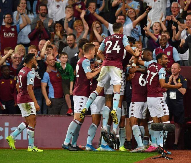 Aston Villa vuelve a ganar su primer partido en la Liga Premier