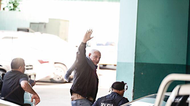 Nombre de Rolando López aparece en correo de testigo