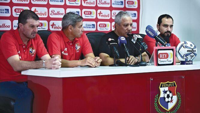 Américo Gallego comenzó su faena con la selección