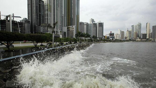 Sinaproc lanza aviso por el fenómeno mar de fondo en costas del pacífico panameño