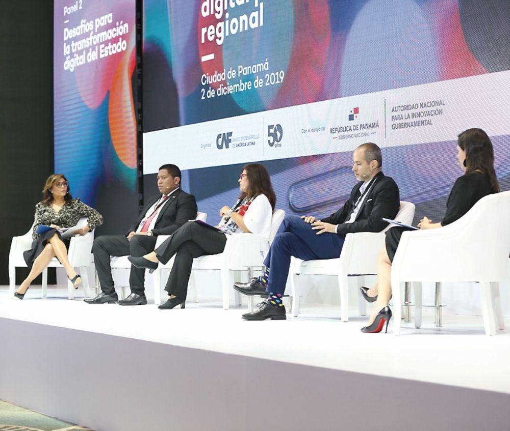 Panamá  intenta digitalizarse y ser un 'hub' regional