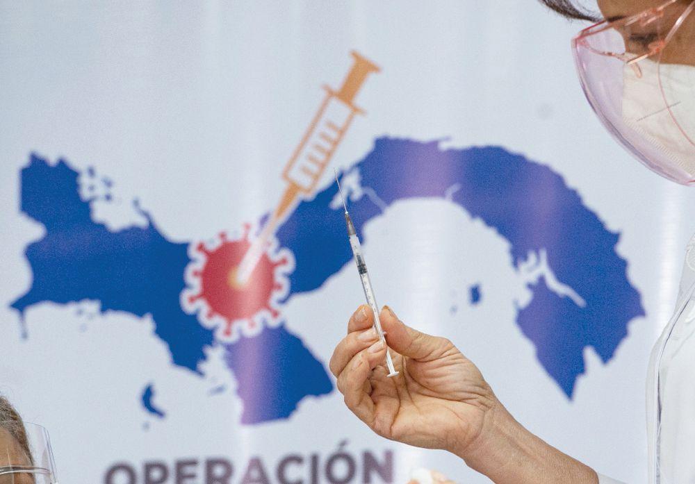 Organismos internacionales buscan apoyar la vacunación