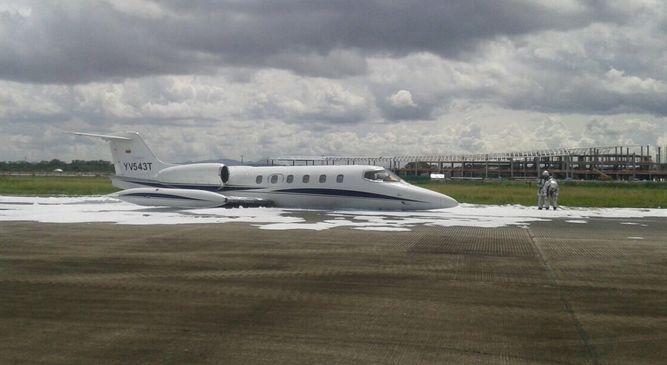 Avión privado sufre percance con tren de aterrizaje en pista de Tocumen