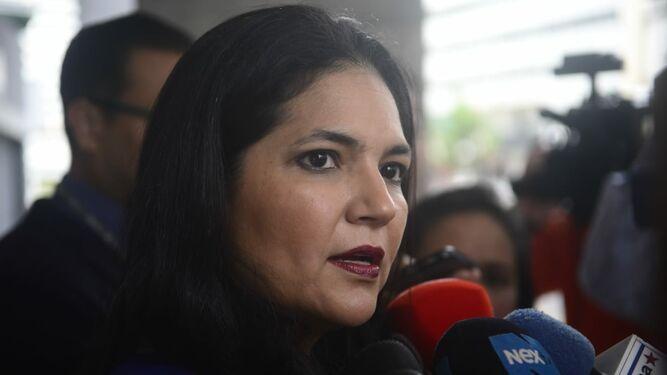 Aduanas detecta 'organización criminal' que supuestamente defraudó al fisco