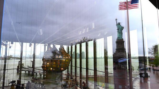 La Estatua de la Libertad inaugura museo, en medio del debate por la inmigración