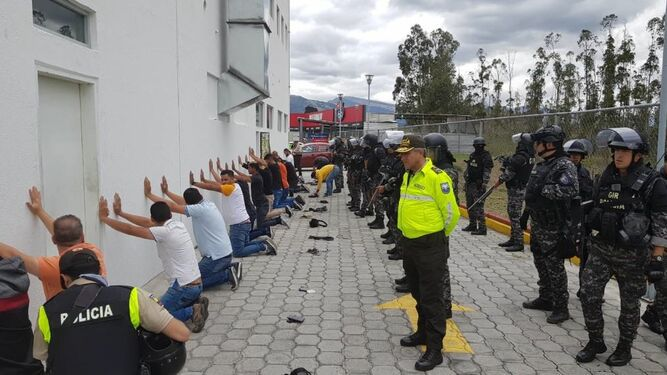 El Gobierno de Ecuador informa que detuvo a venezolanos con 'información' sobre Lenín Moreno