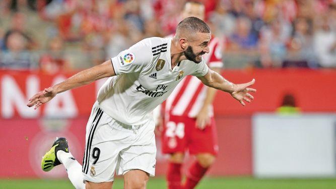 Benzema puso fin al susto con un doblete