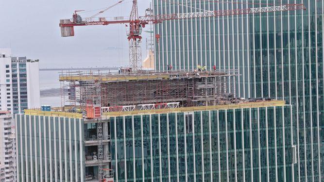 Área registrada en permisos de construcción cae a la mitad