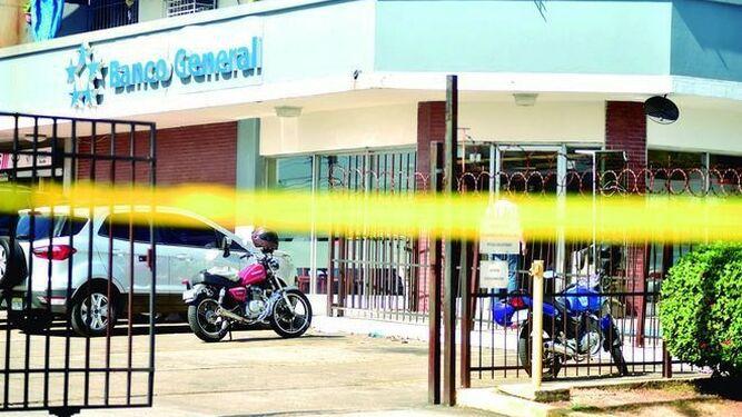 Condenan a dos personas por robo en Banco General de Chanis