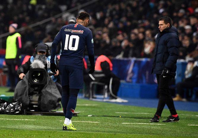 Neymar se lesiona en triunfo del PSG en Copa de Francia