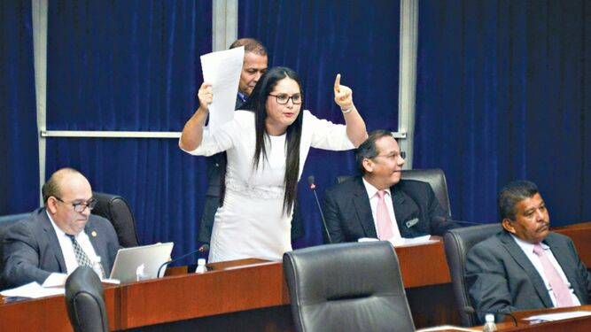 Diputada Zulay Rodríguez denuncia al contralor Humbert