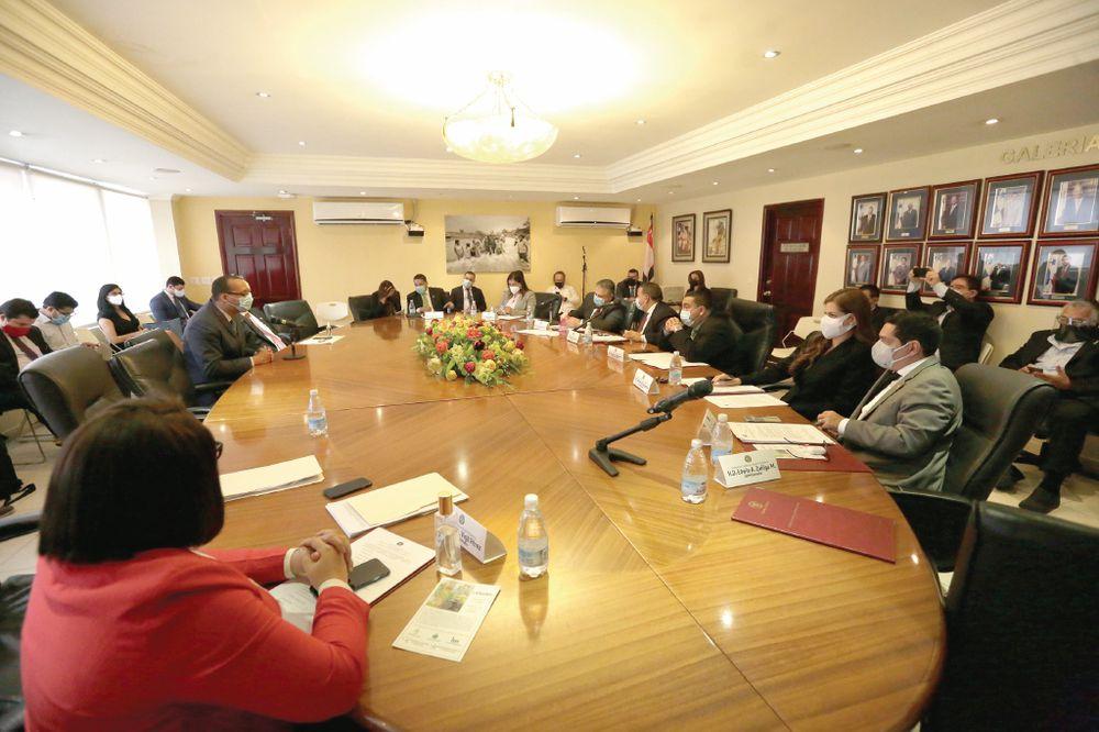 Asamblea Nacional duplica el gasto de 'transitorios' en  comisiones
