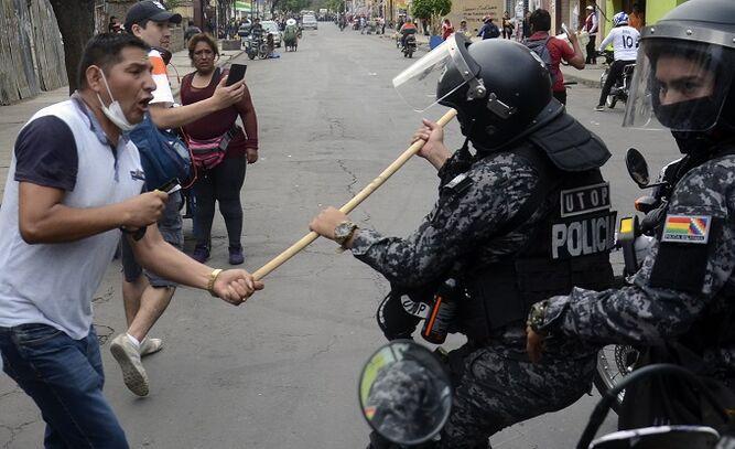 Enfrentamientos dejan al menos un muerto y 95 heridos en Cochabamba