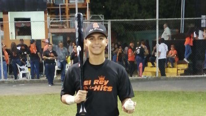 Adrián Montero es el nuevo rey de imparables del torneo juvenil