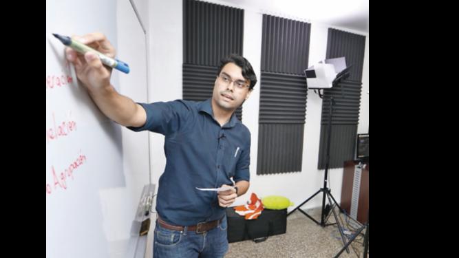 Meduca amplía clases televisadas a estudiantes de premedia y media oficial