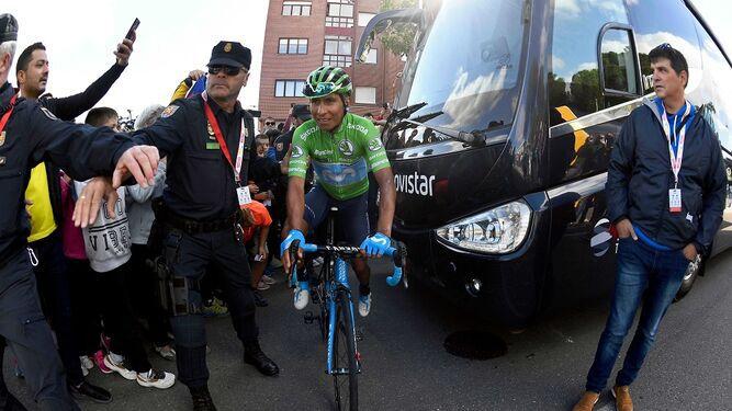 Quintana asalta el podio en la Vuelta a España, Roglic retiene el liderato