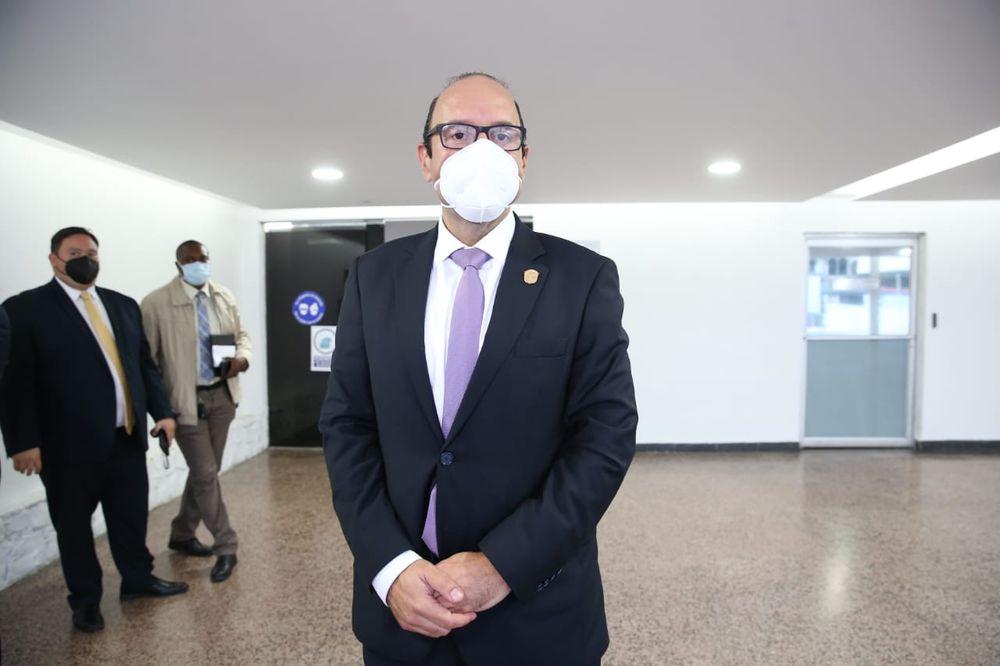 Diputados mantienen a Eduardo Leblanc al frente de la Defensoría del Pueblo