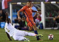 Chile vence 4-2 a Panamá