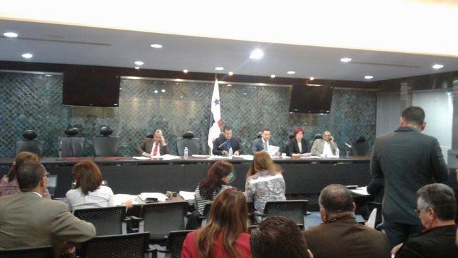 Comisión de Gobierno se declara en sesión permanente