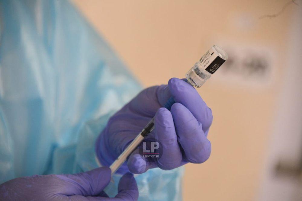 El Minsa vacunará a más personal, incluyendo hospitales privados, después de recibir una respuesta de la OMS sobre Pfizer